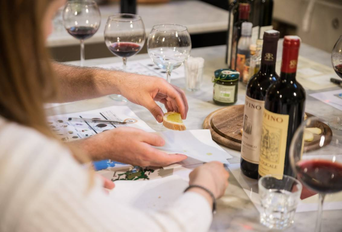 tuscan wine tour: discover all the secrets of the production of Wine and Olive Oil while visiting and dining at a boutique Winery