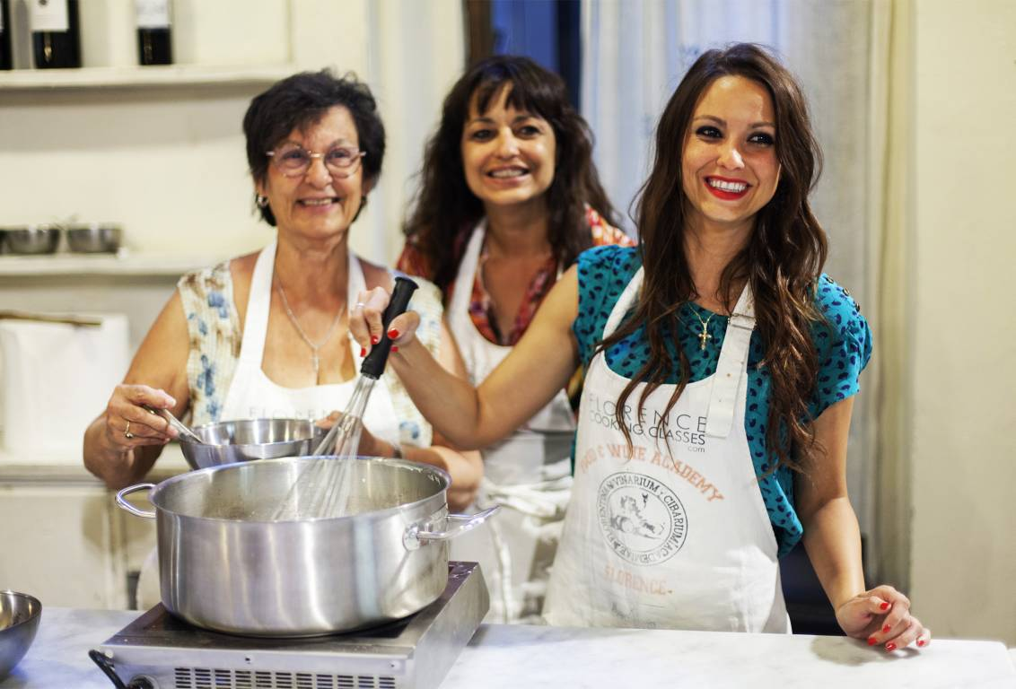 COOKING CLASS in FLORENCE & MARKET Tour