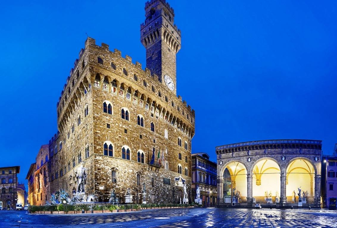 City Of Florence: VIP Florence NIGHT WALKING TOUR With CANDLE-LIGHT WINE On