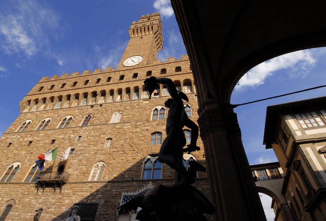 during our tour you will enter for the first time the Uffizi Galleries from the Medici's private entrance