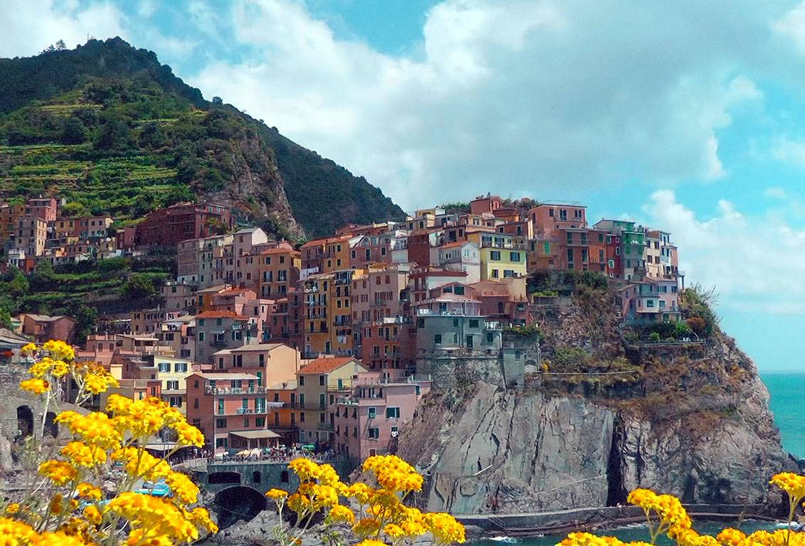 Visit some of the most beautiful villages of Cinque Terre like Riomaggiore, Vernazza, Monterosso and more