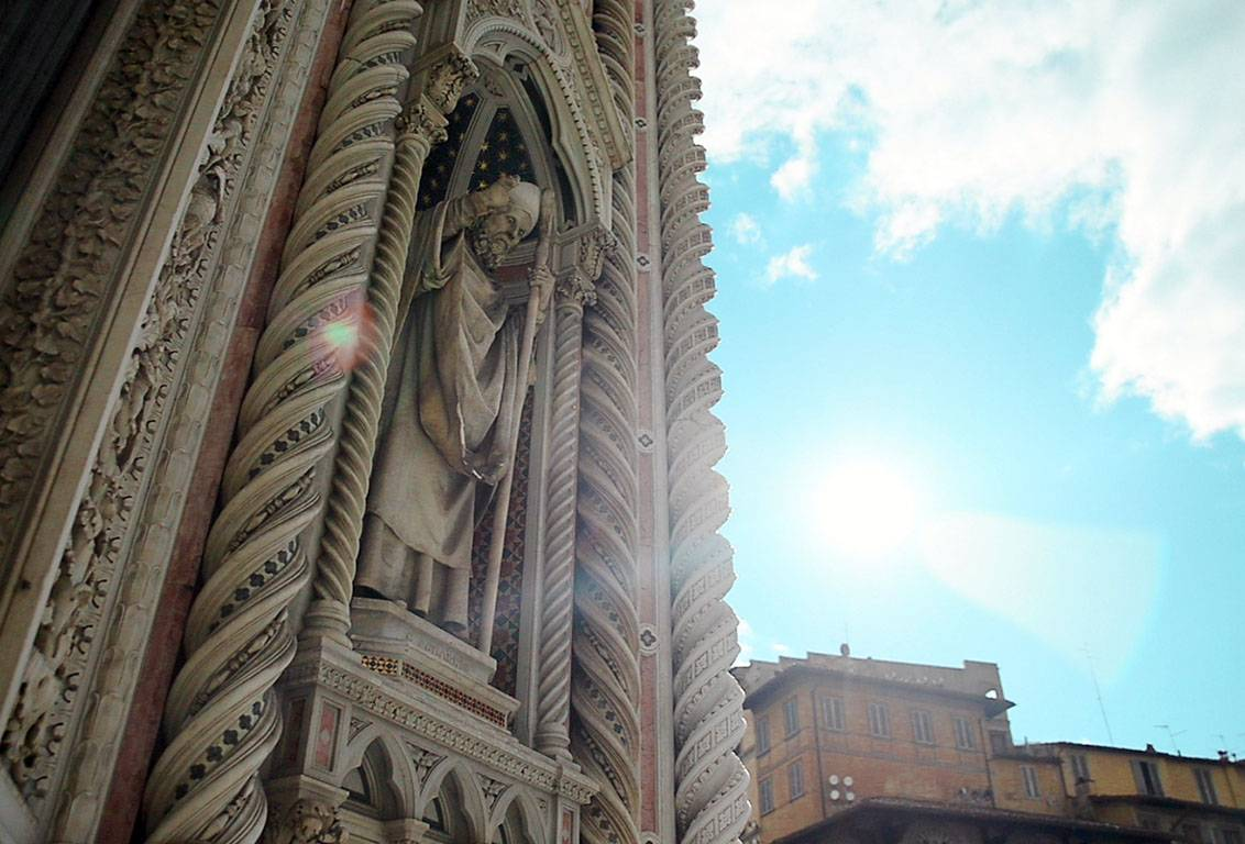 with our florence duomo walking tour you will visit the Duomo terraces and Brunelleschi's magnificent Dome