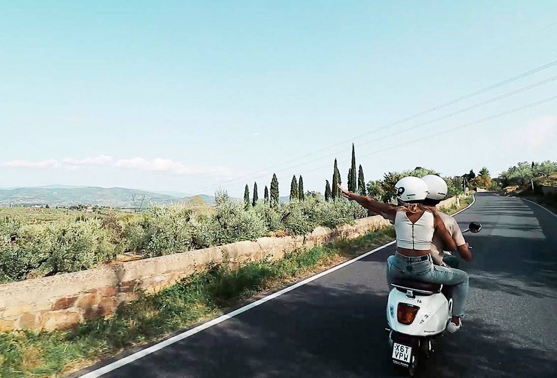 Vespa tour from Florence: ride in country roads through olive groves and vineyards