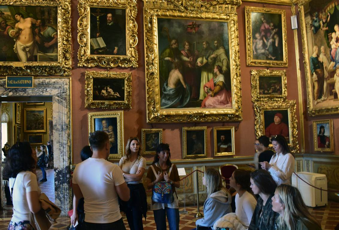 with our walking tour of florence explore the magnificence of Pitti Palace, residence of the Medici family