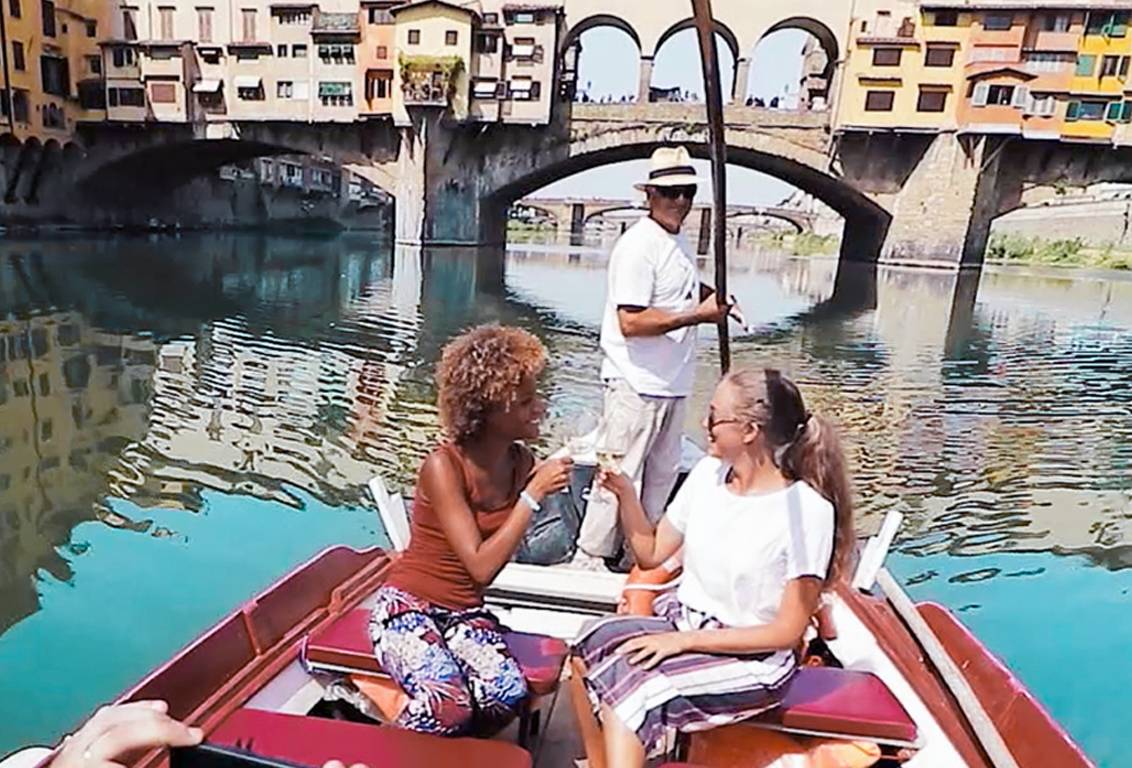 make your stay in tuscany unforgettable with our sunset boat tour: enjoy an exclusive italian aperitivo and drink your prosecco while visiting florence