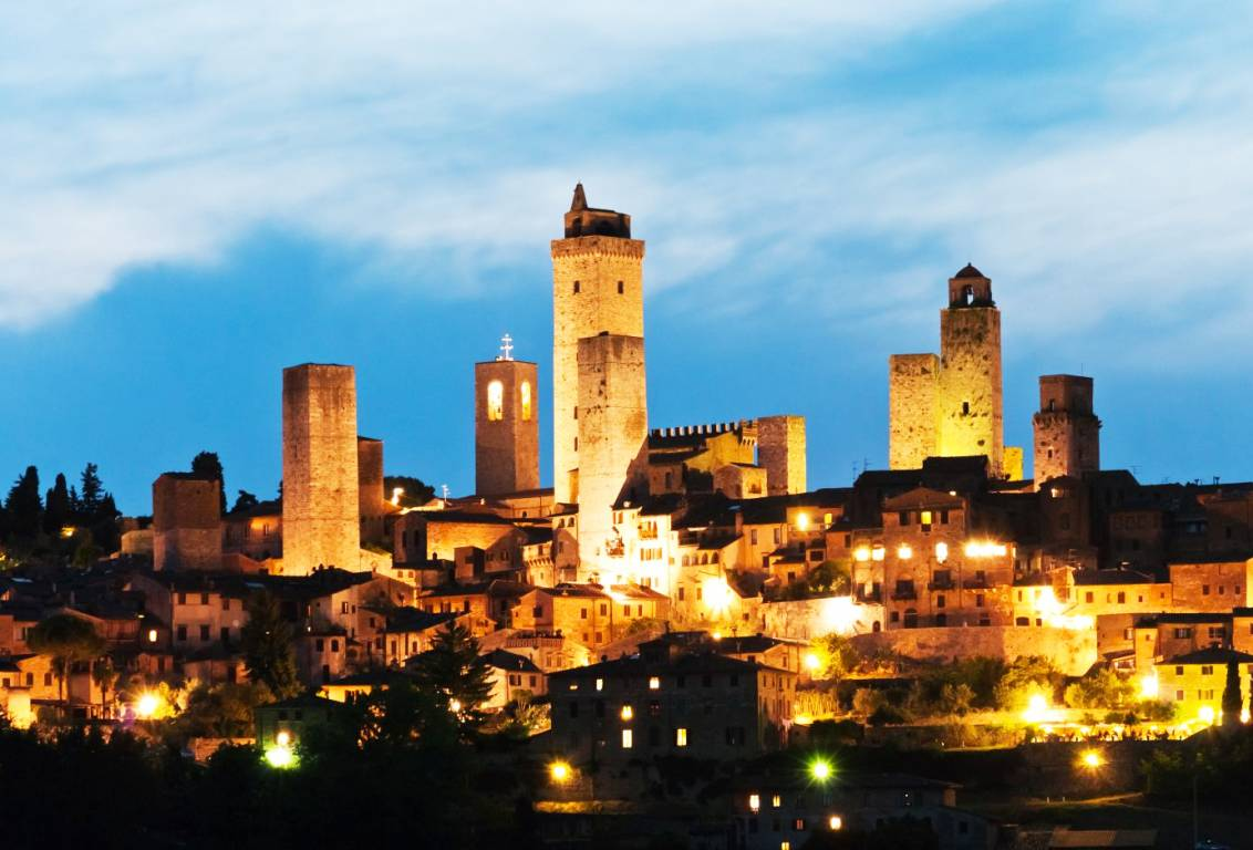 our afternoon tour will let you feel the unique atmosphere of San Gimignano by night