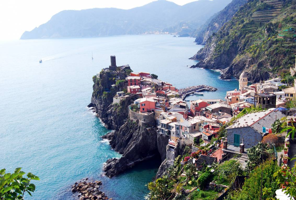 cinque terre day tour: discover no touristy gems and let our guide introduce the treasures of this region