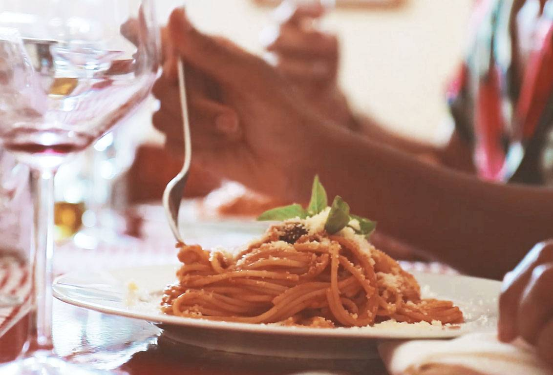 After San Gimignano visit, you will reach a noble villa in tuscan countryside where you will savour a traditional lunch and taste some great Chianti wines