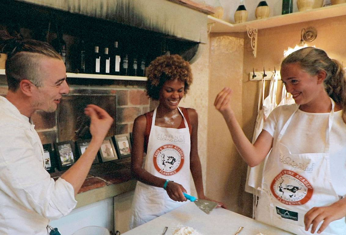 Pizza making class italy: have fun while learning how to make pizza