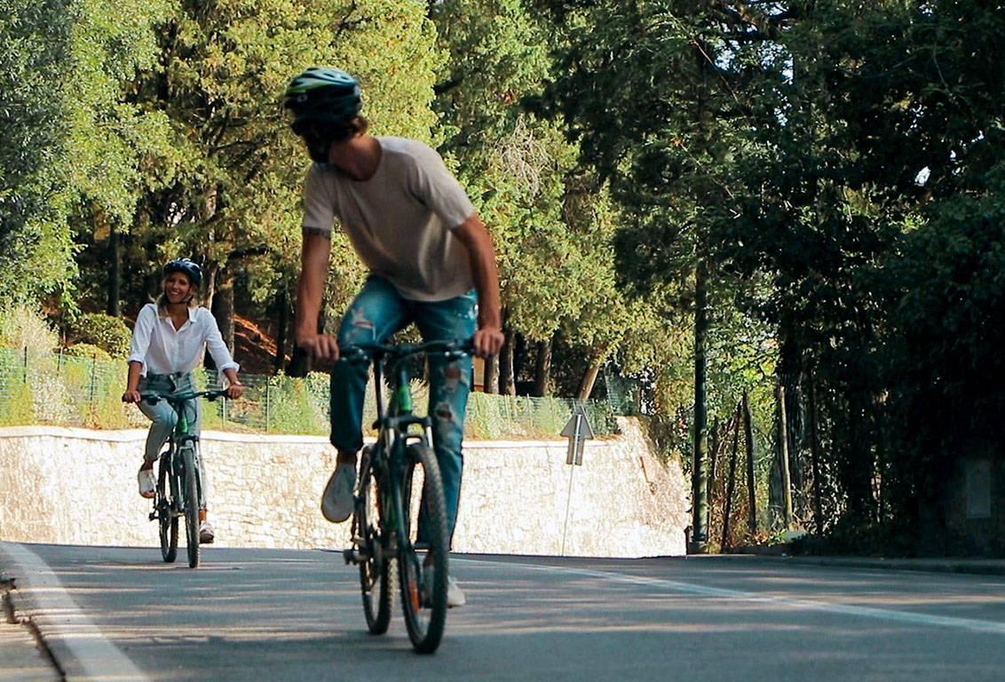 Tuscany bike tours: ride a bike through the Tuscan countryside