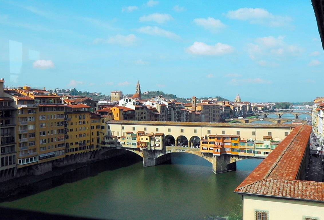 the view of florence from Uffizi museum is stunning: skip the line with our tour and admire it avoiding the crowd