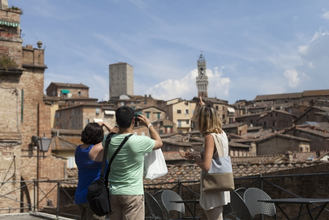 avoid the crowd visiting some of the most iconic locations with this afternoon tour from florence
