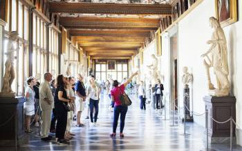 early entrance uffizi tour: save time avoiding the crowd and immerse yourself in art and history of Italy