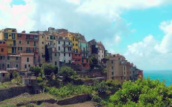 avoid the crowded streets of the villages of cinque terre and take amazing panoramic pictures from the quiet trials of the Riviera coast