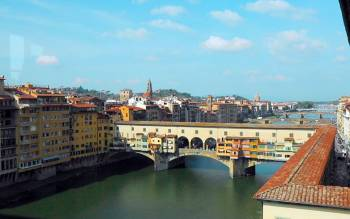 after visiting uffizi our professional English speaking guide will lead you on a discovery external walk along the Vasari Corridor, the secret Corridor built by Giorgio Vasari