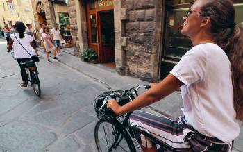 our florence city bike tour is fun and entertaining: learn more with less effort