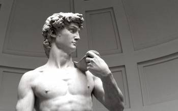 our early entrance tour will let you take a closer look at the statue of David, avoiding the crowd