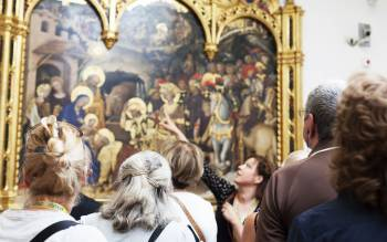 Uffizi gallery tour will show you a collection of masterpieces with no equals throughout the world, by artists like Giotto, Michelangelo, Leonardo da Vinci, Raffaello and more