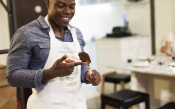 Learn how to make gelato with Florencetown pizza and gelato cooking cooking class