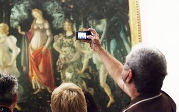 visiting the uffizi gallery you will be able to view the main masterpieces by artists like Giotto, Botticelli, Leonardo da Vinci, Michelangelo
