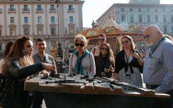 Our walking tour of Florence explores the historic and architectural evolution factors from the Roman foundation up to modern time city