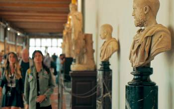 explore the most famous museum of florence and learn the italian history through the masterpieces housed in the Uffizi gallery